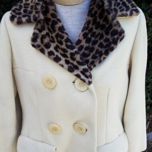 Vintage wool coat with leopard collar